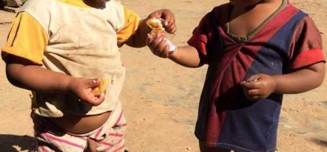 向云南山区孩子捐赠衣服的爱心活动-1