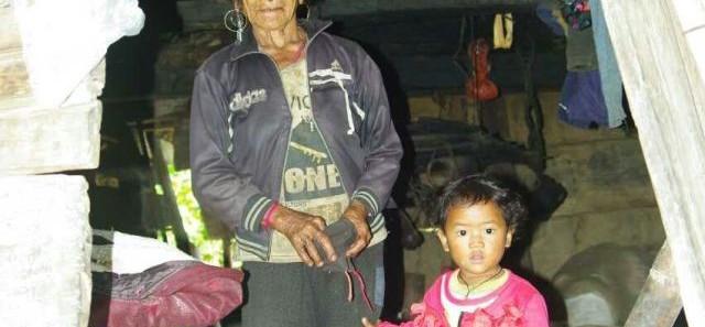 向云南山区孩子捐赠衣服的爱心活动-7